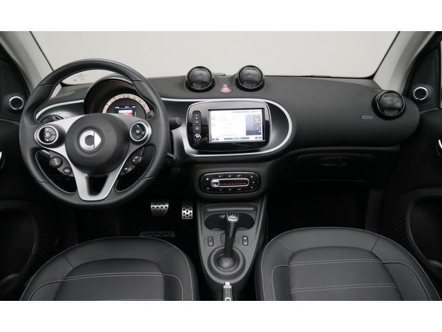 smart fortwo cabrio 66 kw  90 cv  de segunda mano por 15