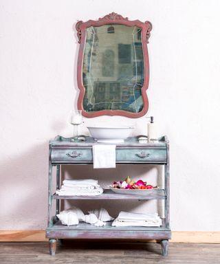 Mueble auxiliar Antiguo Restaurado Miyares