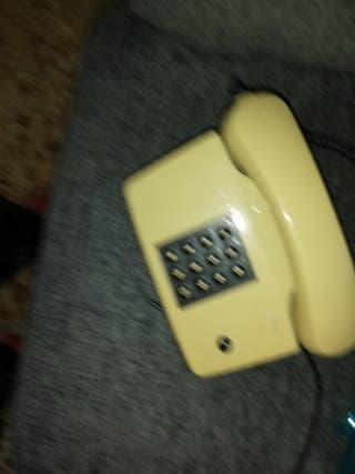 teléfono antiguo funcionando
