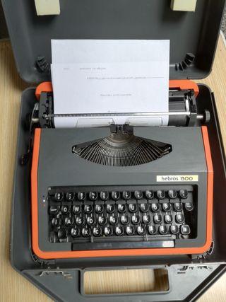 Máquina de escribir portátil hebros1300. Perfecto
