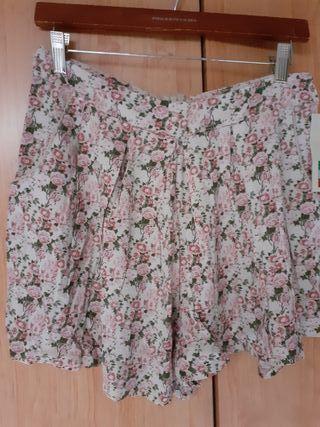 falda pantalon flores de chica con bolsillos