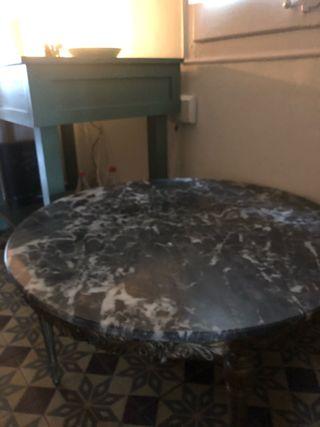 Mesa de mármol clásica