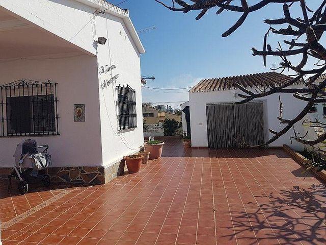 Villa en venta en Camino Algarrobo - Las Arenas en Vélez-Málaga