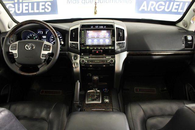 Toyota Land Cruiser 200 5.7L V8 ARMOURED BLINDADO 388cv