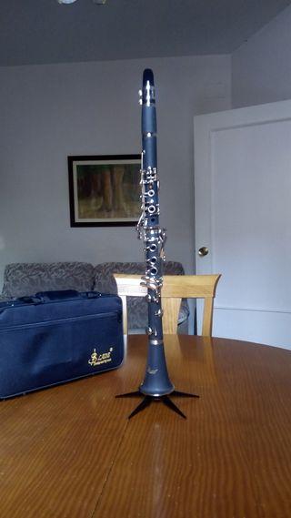 Clarinete Si bemol(B) 17 llaves y complementos