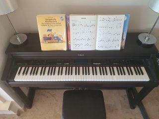 Piano Roland KR-570 digital intelligent piano