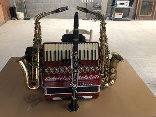 Instrumentos de música(Clarinete,Saxofón,Acordeón)