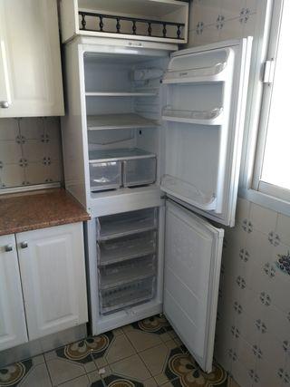 frigorifico combi indesit