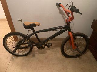 BMX Conor Hook