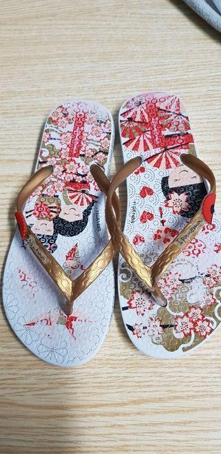 sandalias de playa marca Ipanema del 33
