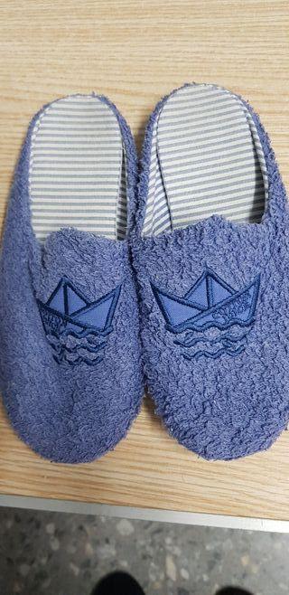 zapatillas de estar en casa azul del número 34
