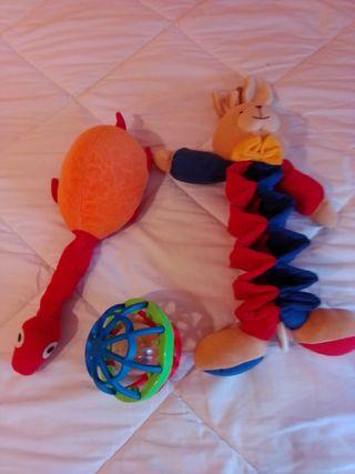 varios juguetes bebés y recién nacidos