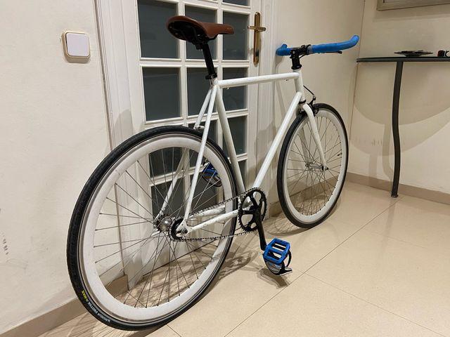 Bicicleta fixie fluorescente