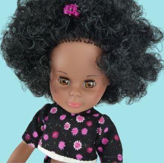 Muñeca negra, mulata, tipo Nancy. Made in Spain.
