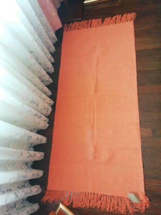 Alfombra NUEVA 140x70cm naranja flecos flequillos
