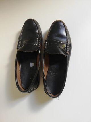 Zapatos colegio de segunda mano en Barcelona en WALLAPOP