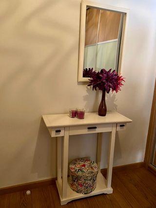 Mueble y espejo recibidor