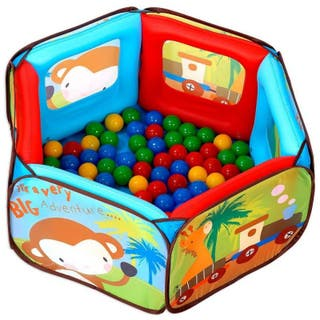 Piscina de bolas y parque de juegos infantil