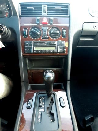 Mercedes-Benz Clase C230 automatico. gasolina.