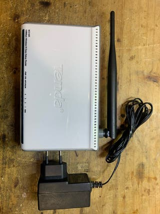 10 router Tenda W316R