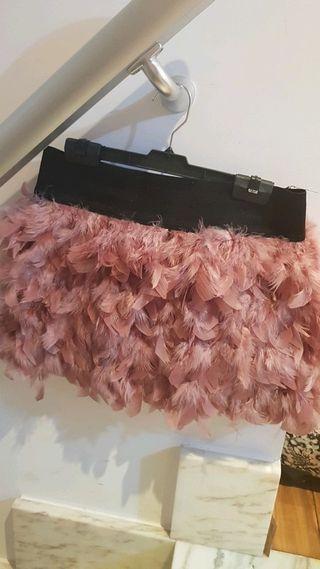 falda de fiesta corta de plumas