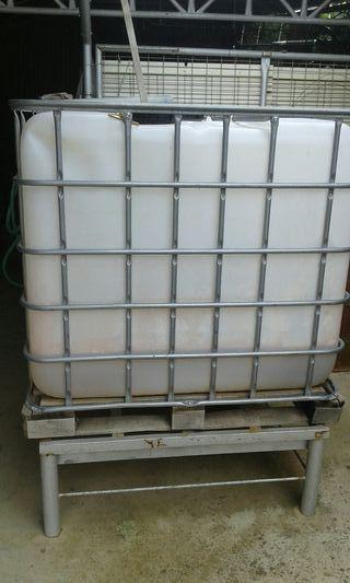 bidones de 1000 litros de agua