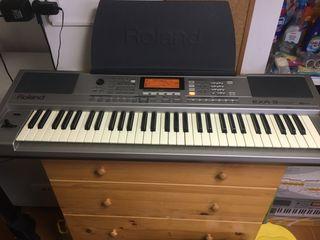 Teclado Roland Profesional EXR-3 Piano