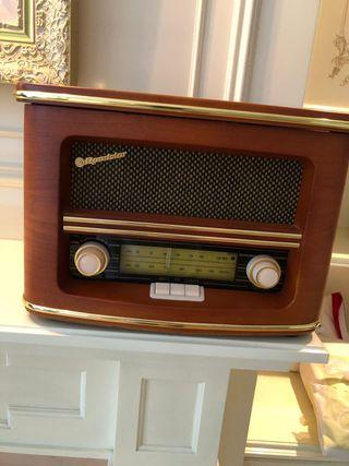 Radio con CDs.