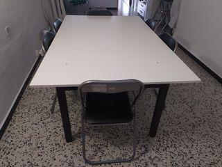 Se vende mesa en buen estado y sillas nuevas