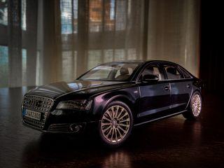 Audi A8 l w12 1:18 Kyosho