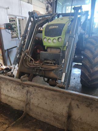 tractor Claas celtis 456