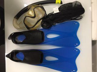 Aletas y gafas para snorkel