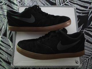 Nike 40