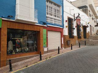 """Acreditada tienda en Aguilas, """"Traspaso"""""""