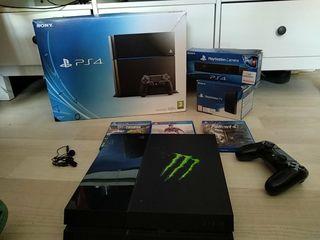 PlayStation 4 con accesorios y 4 juegos
