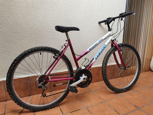 Bicicleta mujer montaña