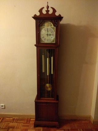 Reloj de antesala clásico carrillón de pesas
