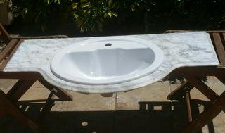 Encimera de mármol con lavabo
