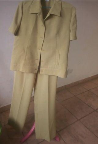 conjunto pantalón chaqueta