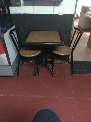 mesas y sillas de cafetería