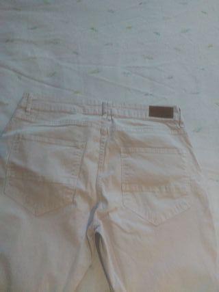pantloes tejanos blanco marca zara sin estrenar