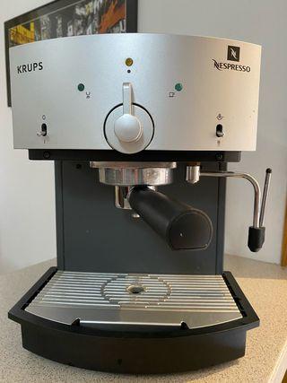 Cafetera Nespresso profesional de segunda mano en Madrid en