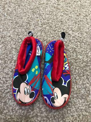 Escarpines niño/niña. Zapatos de agua. Talla 23