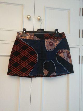 Minifalda CUSTO talla 38 falda corta estampada