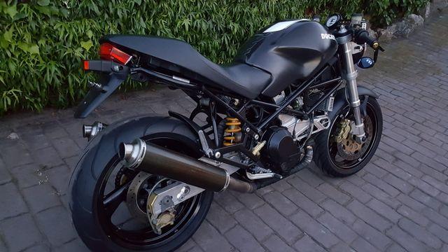 DUCATI MONSTER 900S