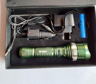 Linterna LED 1000 Lumenes con zoom nueva