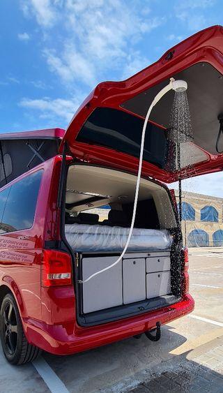 Volkswagen Multivan MUEBLES CON DUCHA!
