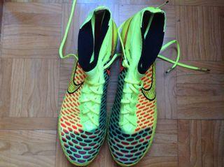 Botas de Fútbol Nike Magista