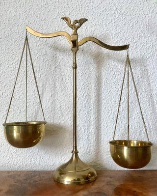 Antigua balanza de la justicia