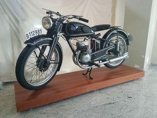 Moto clásica Lube